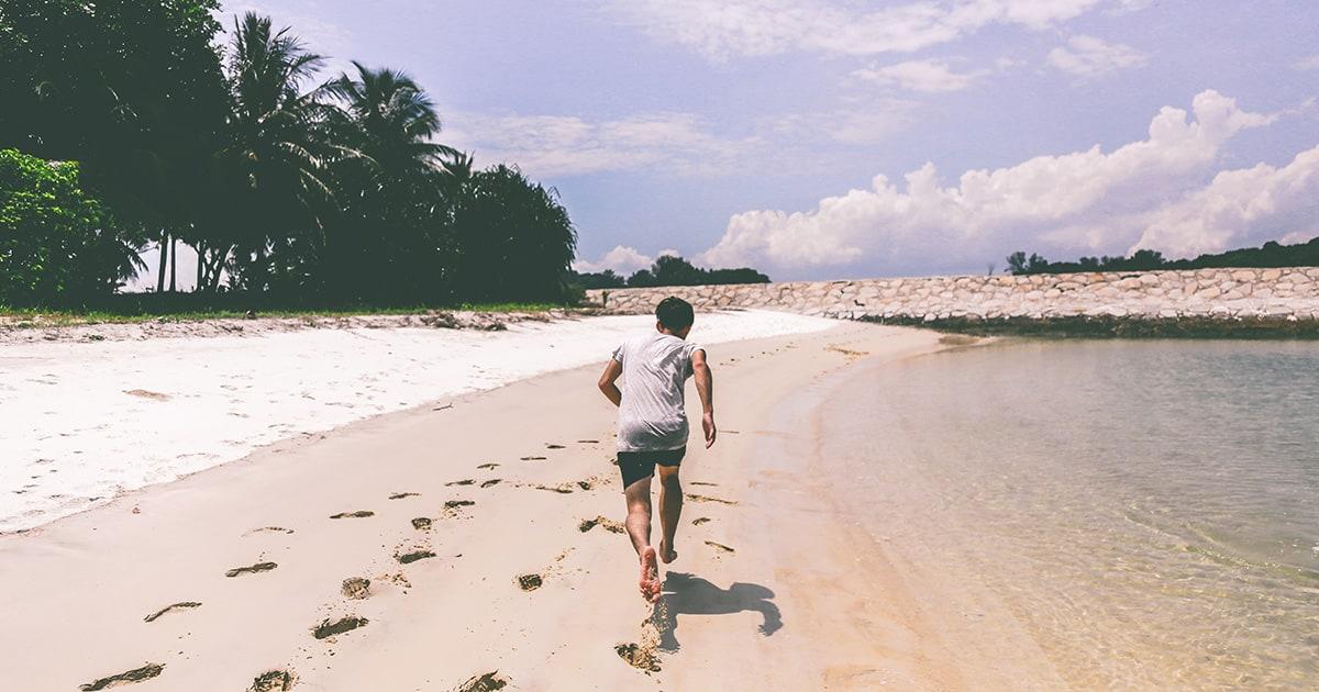 entrenamiento en playa durante el verano